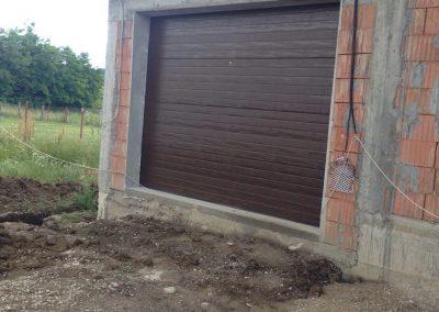 usi-garaj-casa-particulara-1