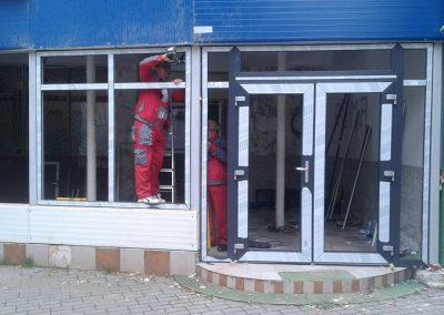 Tamplarie PVC montata la spatii comerciale