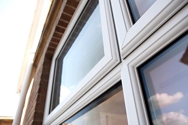 Fereastra PVC cu geam tripan